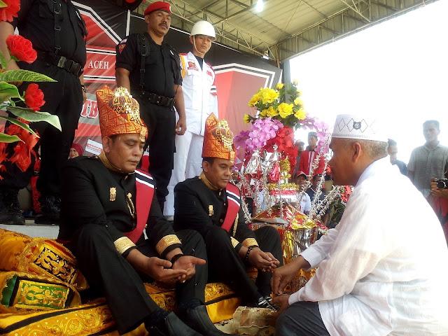 Setelah Deklarasi, Pang Toni Daftar Pilkada di KIP Aceh Jaya