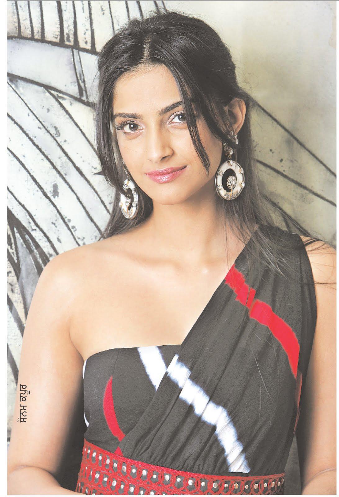 Sonam Kapoor Hot Stills  Indian Actress Hot Pics-2139