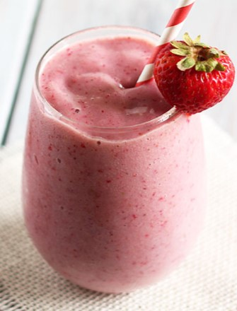 Banana and Strawberry Smoothie