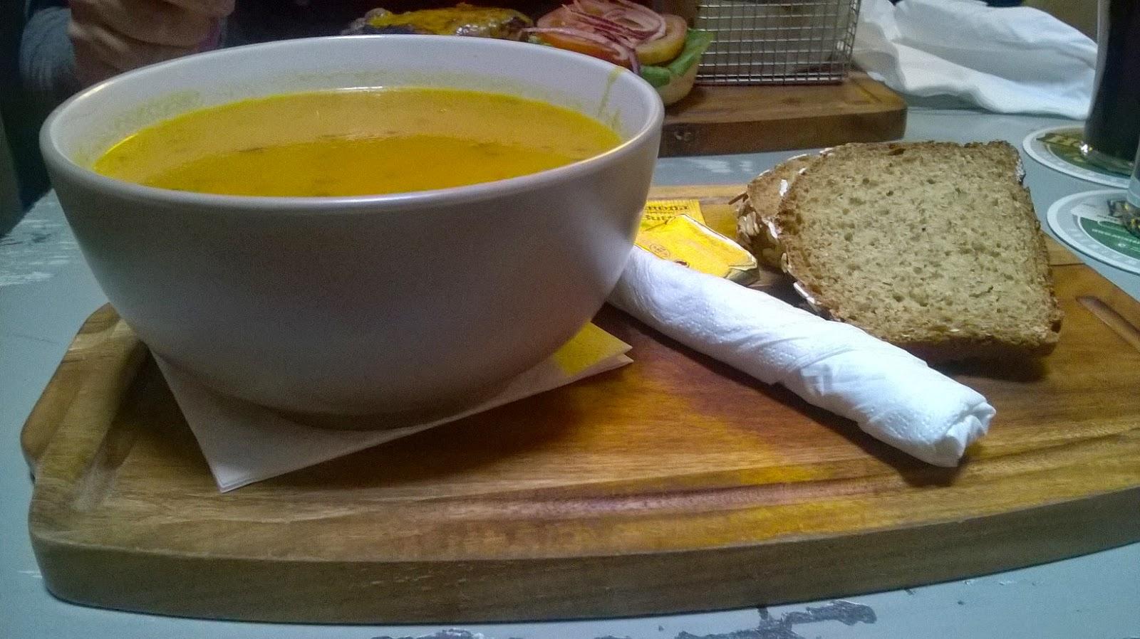 Soap carota e zucca con coriandolo