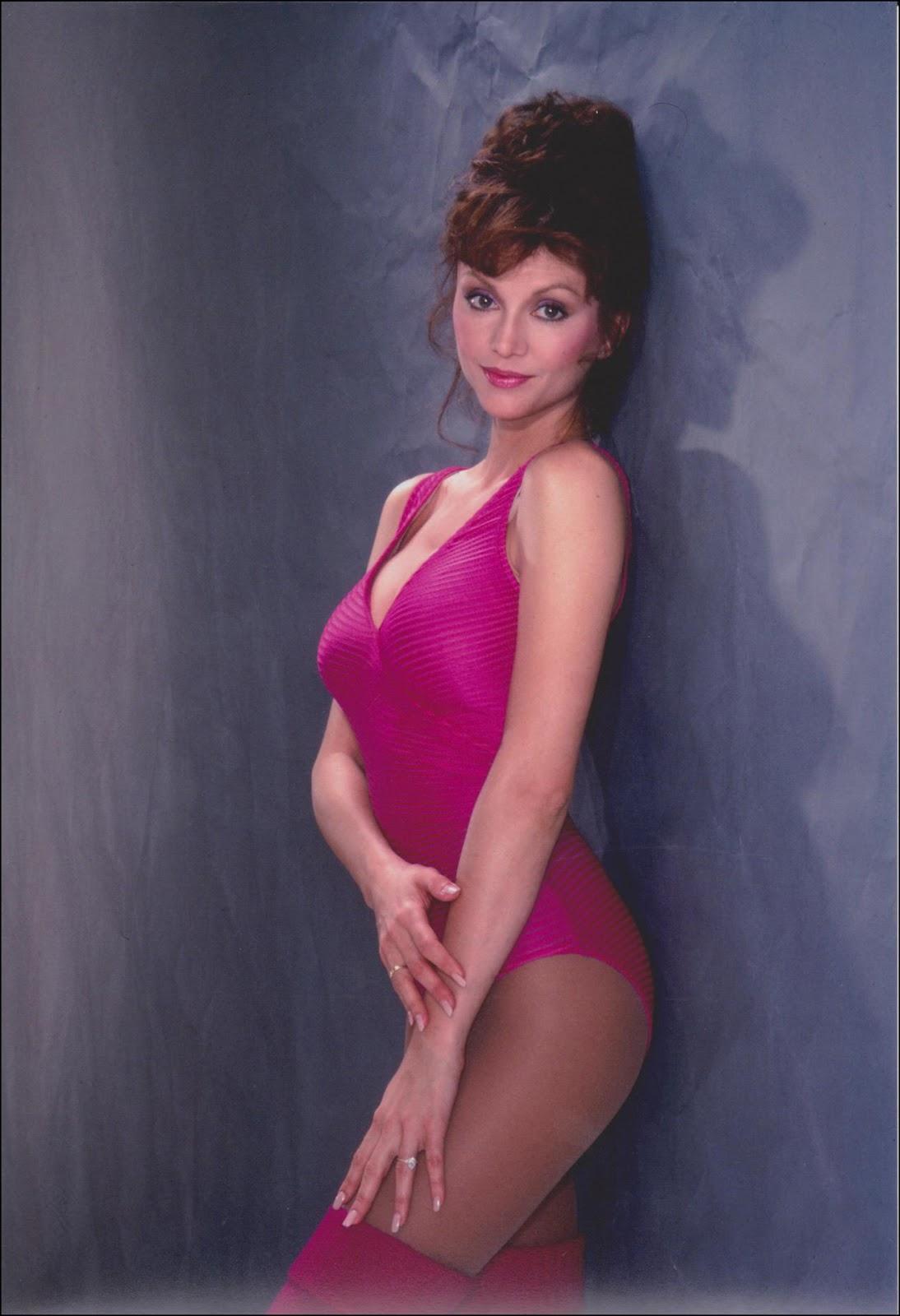 Yvette Saunders Nude Photos 52