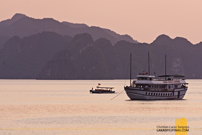 Overnight Halong Bay Cruise Sunset