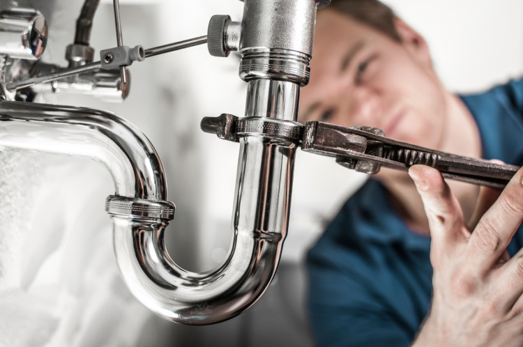 Hire a perfect plumber to sort out your plumbing needs