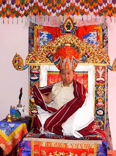 Miroir du dharma enseignement de lama tenzin samphel sur for Miroir du dharma