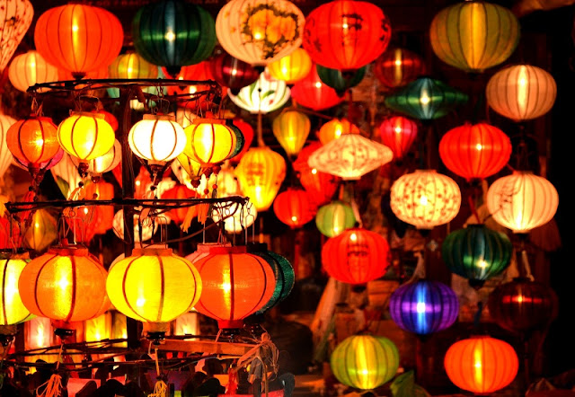 New Night Market Opens In Hoi An Ancient Town1