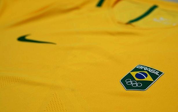 18809ff86d8c6 A Classic Football Shirts possui a maior coleção de camisas internacionais  de futebol. A loja faz entregas no mundo todo e usando o cupom
