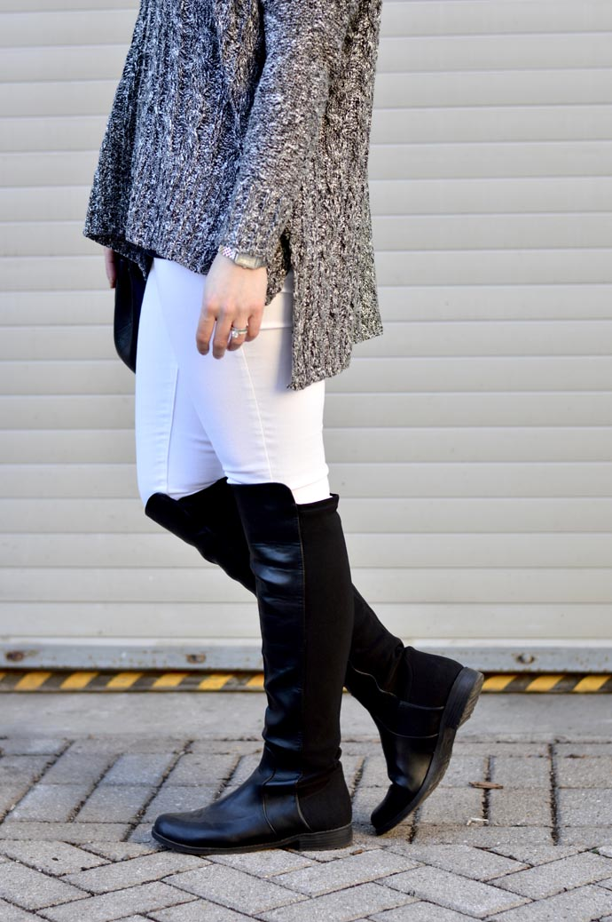 black-otk-boots-with-white-jeans-outfit