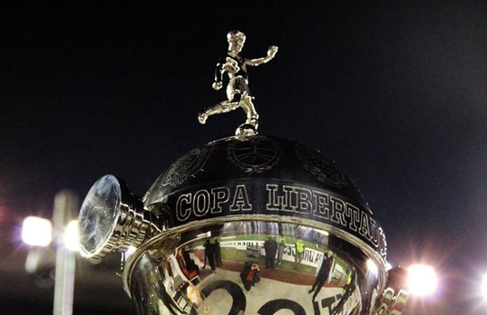 0d436427df A alteração também é uma tentativa da entidade de reduzir a insatisfação  dos clubes participantes da Libertadores