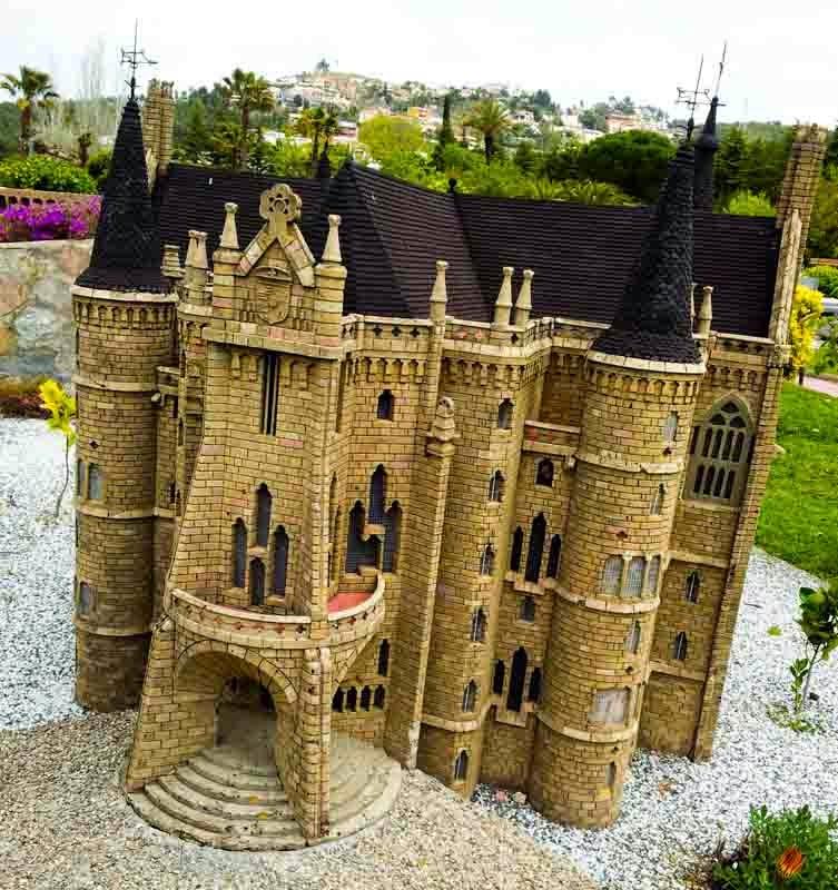 Catalunya en miniatura: Palacio Gaudí