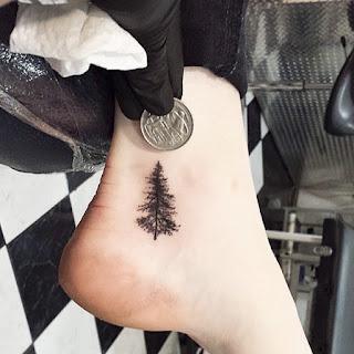 tatuaje abeto