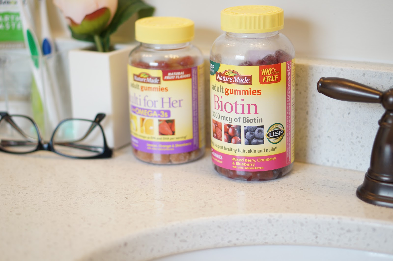 Rebecca Lately Nature Made® Biotin Adult Gummies Morning Routine #collectivebias #ad #NatureMadeGummies