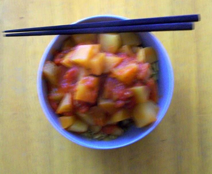 veganes kartoffel-curry mit walnußreis - hauptspeise