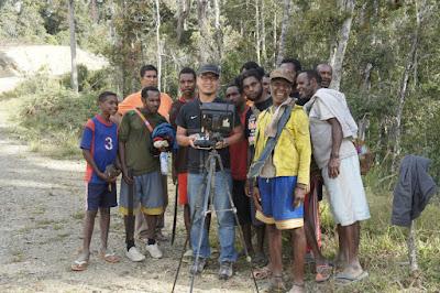 Ngedrone bareng suku Arfak pedalaman Papua