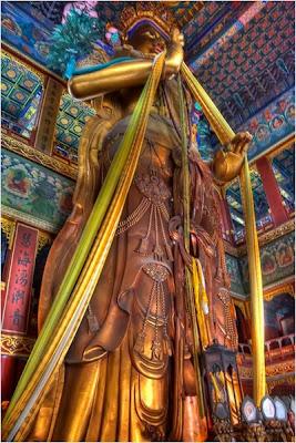 พระพุทธรูปพระเมตไตรยในวัดลามะกรุงปักกิ่ง