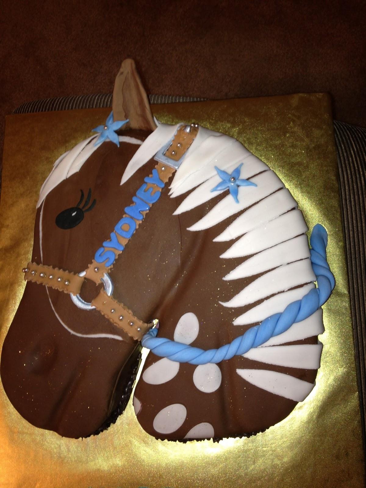 La S Cakes Horse Head Cake