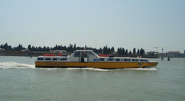 Alilaguna do aeroporto de Veneza até o centro turístico