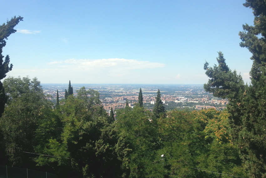 Widok na Bolonię z sanktuarium Madonna di San Luca
