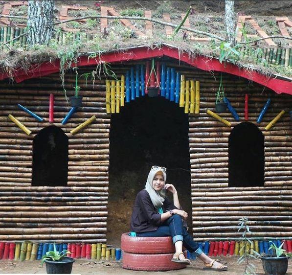Rumah Kayu Taman Wisata Genilangit Poncol Magetan