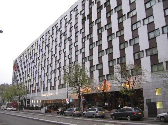the real deal hotel review le m ridien etoile paris. Black Bedroom Furniture Sets. Home Design Ideas