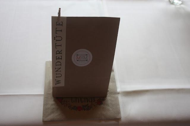 Wundertüte, Hochzeitsmotto aus M wird M, Pastell und Vintage im Riessersee Hotel Garmisch-Partenkirchen, Bayern
