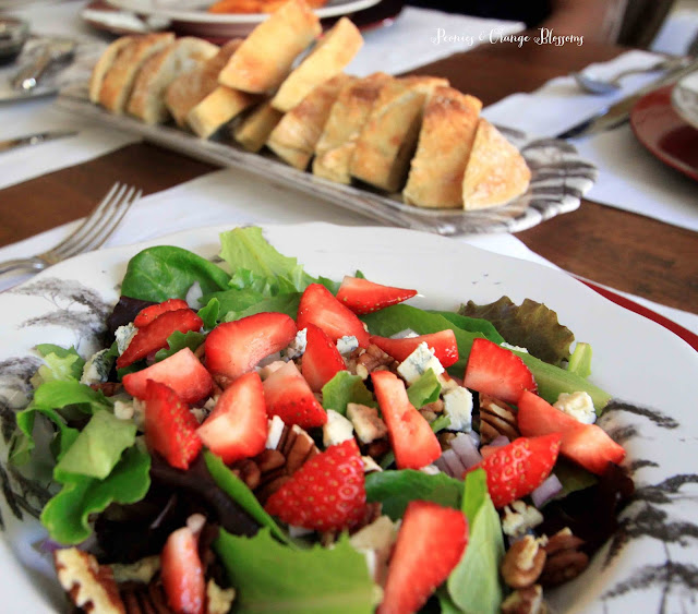 Fresh Strawberry Mixed Greens Salad