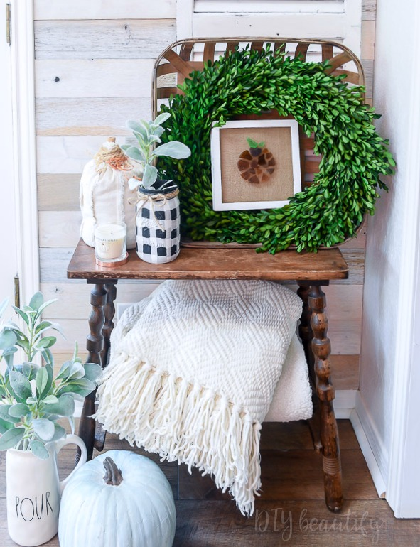 wood wall and fall decor