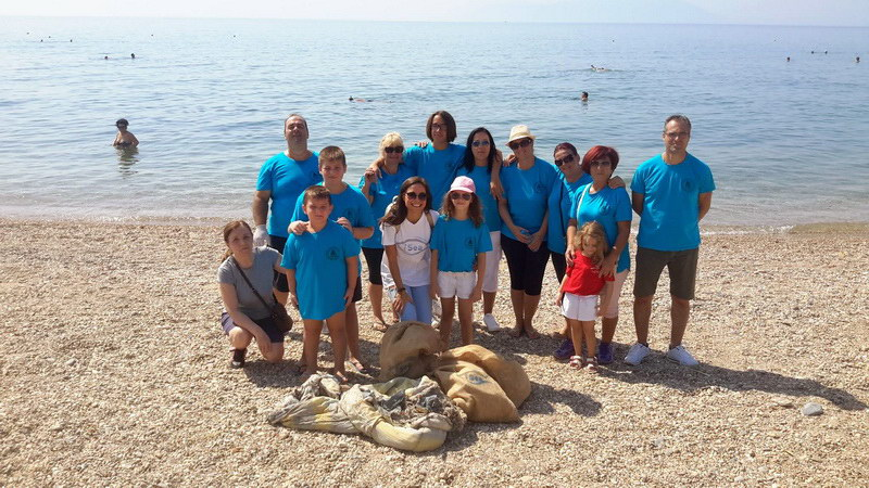 Εθελοντές καθάρισαν την παραλία της Νέας Χηλής Αλεξανδρούπολης
