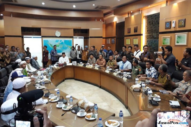 Lima Tuntutan Massa Aksi Bela Tauhid 211, Wiranto Janji Sampaikan ke Jokowi