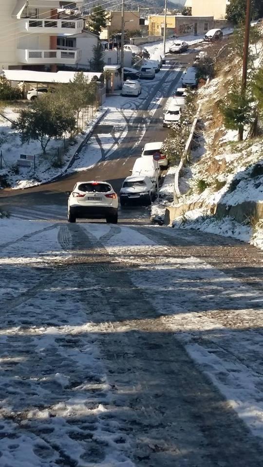 Σοβαρά προβλήματα στο Χαϊδάρι από τη χιονόπτωση