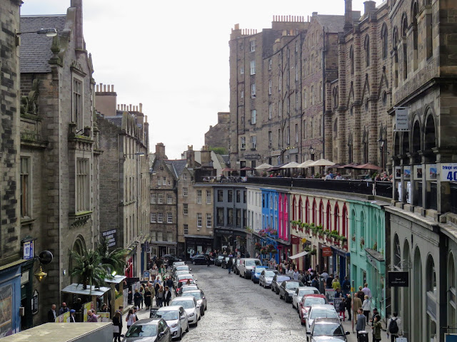 Summer in Edinburgh Scotland: colorful buildings in Edinburgh Old Town