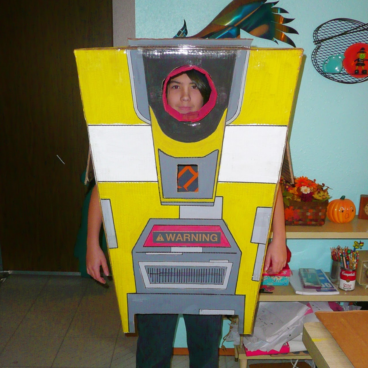 claptrap, costume, cardboard, appliance box, borderlands, video game, robot, cosplay, fall