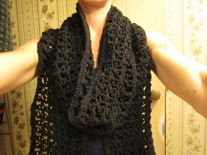 scarf, love knot, crochet, Caron One Pound