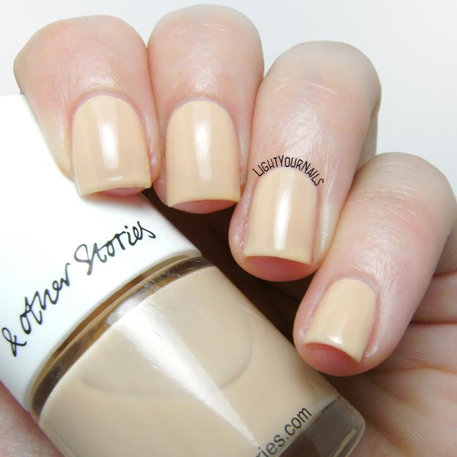 Smalto & Other Stories Pilling Beige nail polish