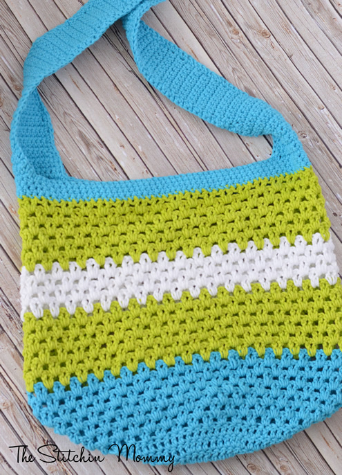 Easy crochet project: crochet bag (photy by: The Stitchin Mommy) | Happy in Red