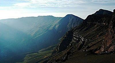 sejarah meletusnya gunung tambora