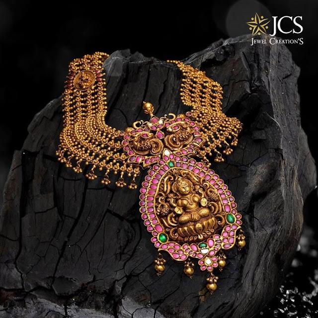 Lakshmi Pendant with Antique Haar
