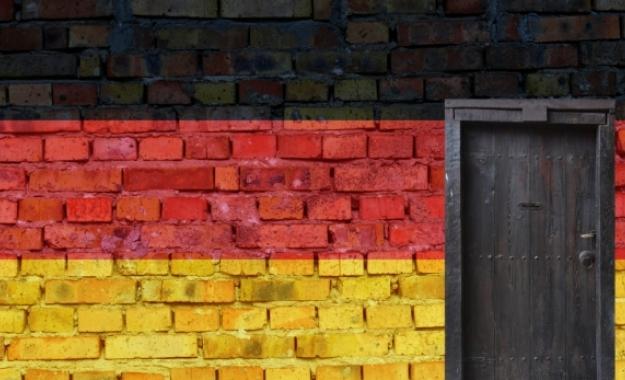 Η νέα (όσο και παλιά) γερμανική γραμμή: Αποδέχεστε το «βιώσιμο χρέος» ή διαλέγετε την έξοδο