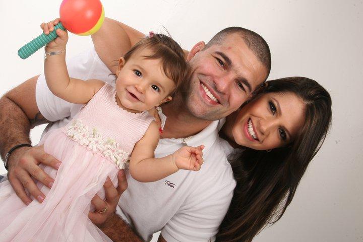 Hq Cute Girl Wallpaper Sembrono Renata Ribeiro With Her Family Pictures 2013