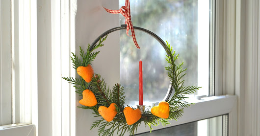 10-Minute Citrus and Pine Mini-Wreath
