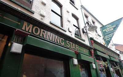 Photo of the front of The Morning Star in Belfast's Pottingers Entry