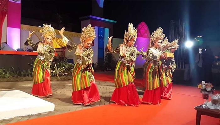 Tari Persembahan, Tarian Tradisional Dari Riau Dan Kepulauan Riau