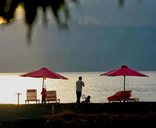 Foto Pemandangan Pantai Boom Banyuwangi