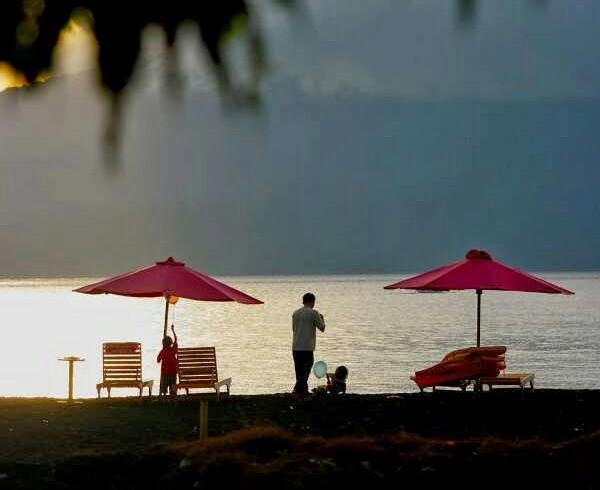 gambar Pantai Boom Tuban