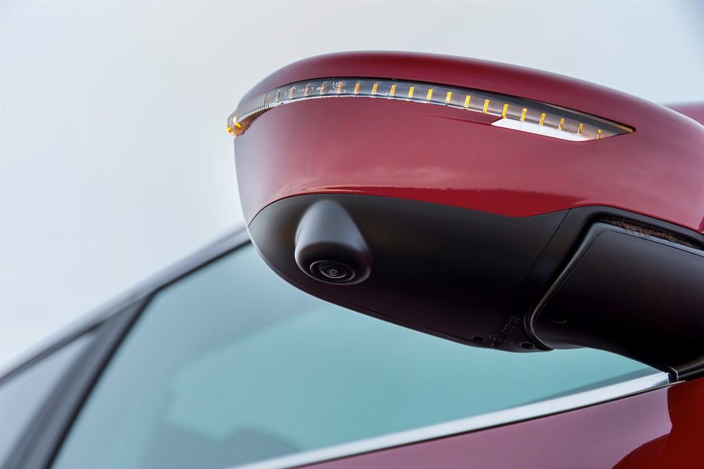 113704 1 5 rs Η Nissan γίνεται μεγάλος παίκτης και στις πωλήσεις… καμερών!