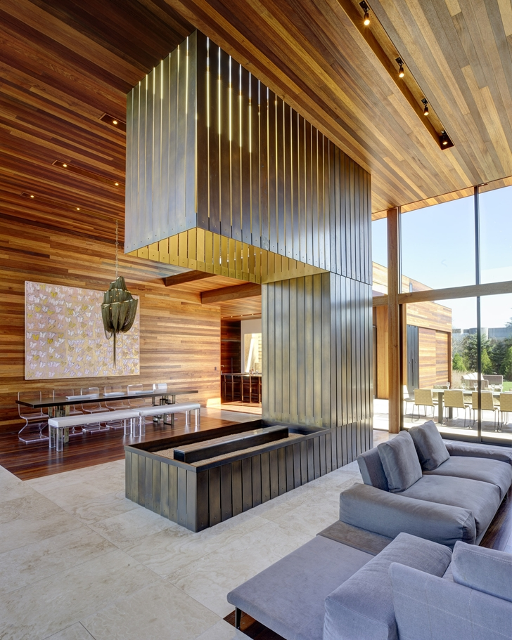 Fireplace in Sam's Creek Home by Bates Masi Architects