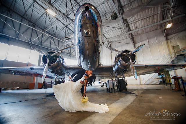 Photo by the Atlanta Wedding Photographers at www.AtlantaArtisticWeddings.com