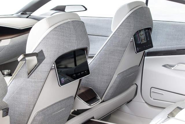 Cadillac Escala - interior