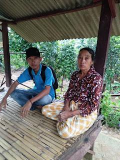 Banjir Melanda Sekotong, Rumah Serta Kios Inak Senep Ambruk