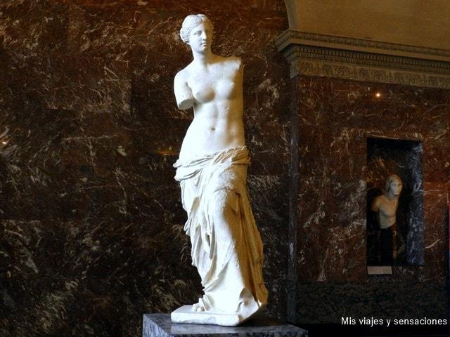 La Venus de Milo, Museo del Louvre, París, Francia