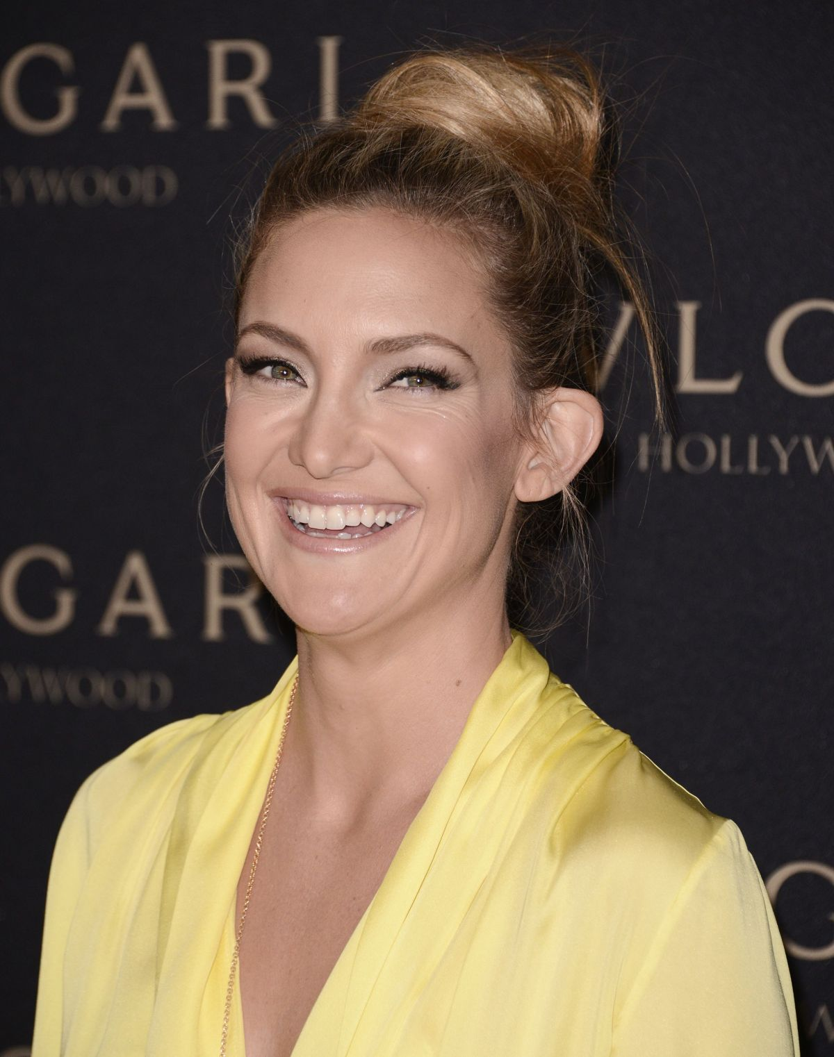 Full HQ Photos of Kate Hudson in Short Mini dress At Decades Of Glamour Event In West Hollywood